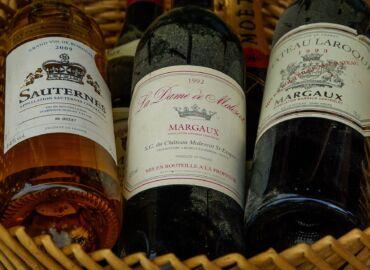 Poznajcie otoczoną zamkami stolicę słynnego regionu winiarskiego Akwitania – Loty z Krakowa do Bordeaux za 224 PLN!