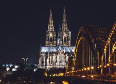 Zwiedź gotycką katedrę w Kolonii i inne zabytki Nadrenii Północnej – Loty weekendowe z Warszawy za 74 PLN