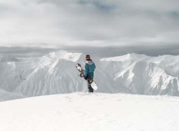 Rozpocznijcie zimowy sezon białym szaleństwem na stokach Tienszanu – Loty do Kirgistanu od 1352 PLN!