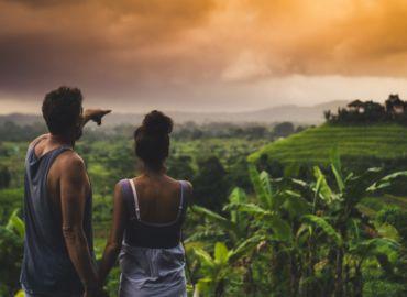 Dżungla, wodospady oraz tarasy ryżowe na wulkanicznej Jawie i Walentynki na rajskim Bali – Loty z Wiednia za 1883 PLN!