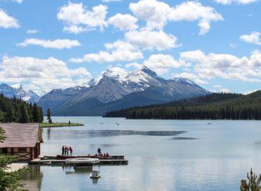 Majówka w najpiękniejszych parkach narodowych zachodniej Kanady – Loty z polskich miast już od 1165 PLN