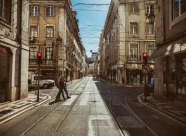 Iberyjski city-break w wakacje 2021: portowa Walencja i stołeczna Lizbona – Loty z Warszawy tylko 498 PLN!