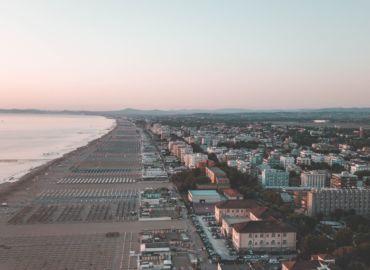 Wielkanoc we Włoszech – tygodniowe wakacje w Rimini za 477 PLN (loty + auto)
