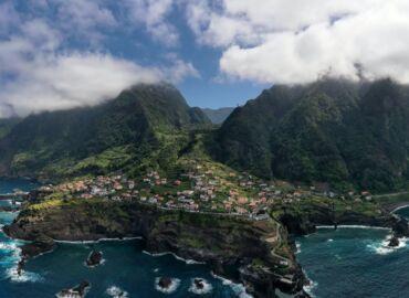 Madera i Azory w jednej podróży, odwiedź najbardziej zielone wyspy na świecie – Komplet lotów z Wrocławia już od 758 PLN!