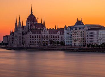 Poznaj Budapeszt w jesiennej odsłonie – loty z Poznania za 78 PLN