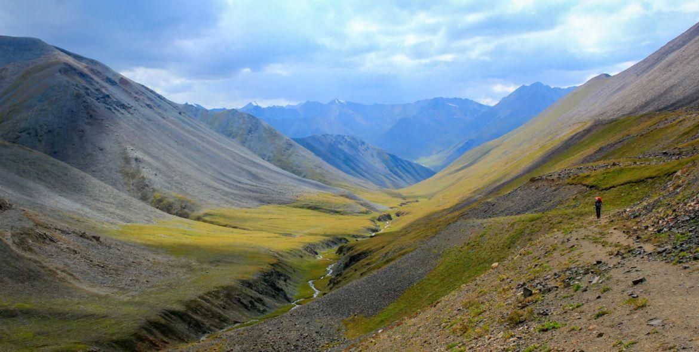 Kirgistan – gościnna jurta w krainie gór i jezior