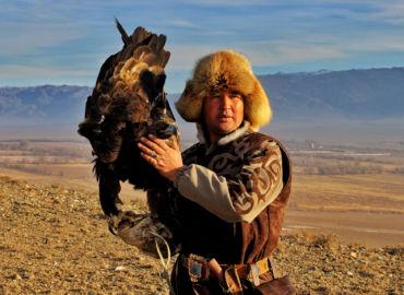 Odwiedź Kazachstan, pustynno-stepowy kraj Borata z pięknymi kanionami i jeziorami – Loty z Warszawy do Ałmatów za 1224 PLN!