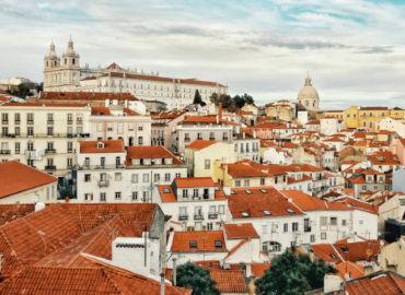 Na majówkę do Portugalii! Loty Swiss Air z Warszawy do Lizbony tylko 385 PLN