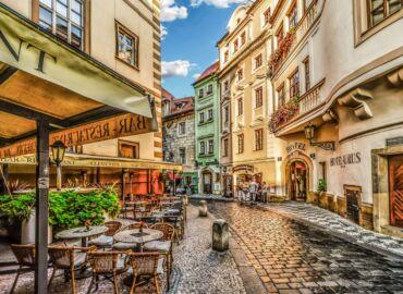 [WYPRZEDANE] Wakacyjny weekend w stolicy czeskiego piwa i knedlików – Loty z Warszawy do Pragi